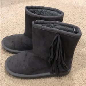 Children's Place Gray Fringe boots size 13
